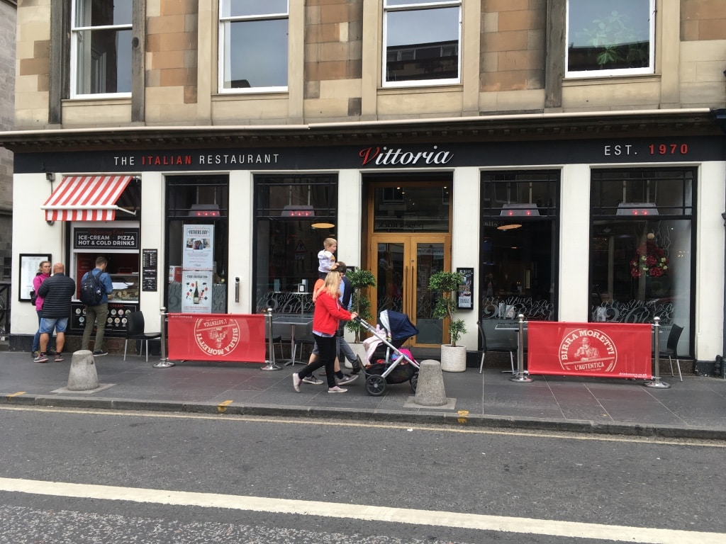 The family-friendly Italian restaurant Vittoria on the Bridge is centrally located on George IV Bridge.